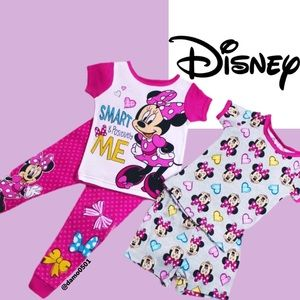 NWT Disney Minnie Mouse 4pc Graphic Pajama Set